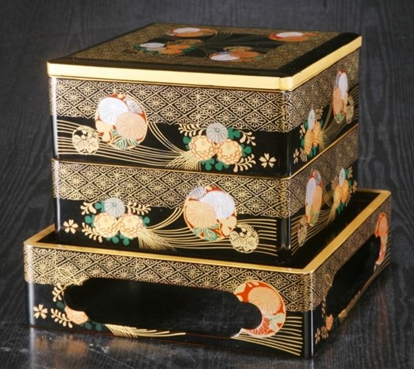 135japanese gold lacquer makie
