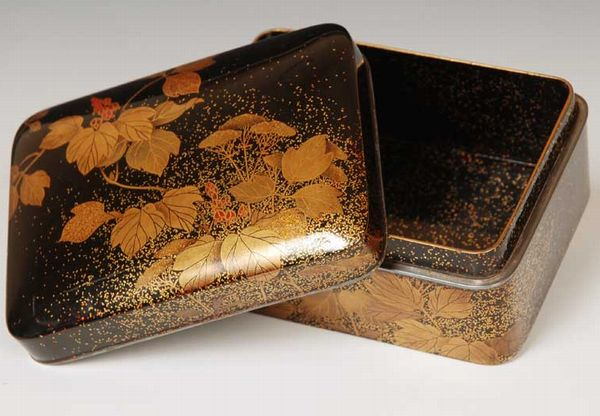 44japanese gold lacquer makie