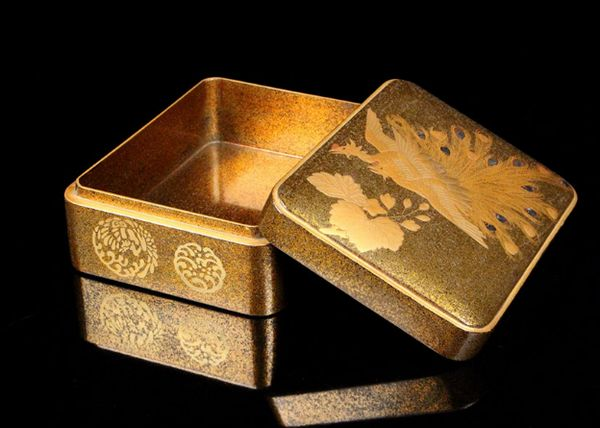 54japanese gold lacquer makie