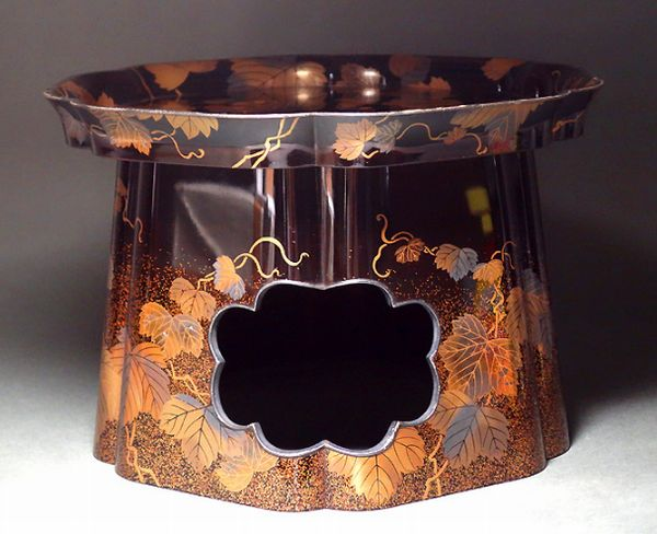 5japanese gold lacquer makie